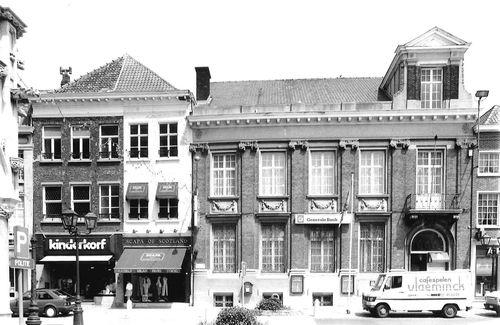 Oudenaarde Nederstraat 1-3, Markt 2