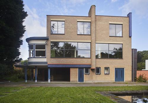 Modernistisch burgerhuis met tuin