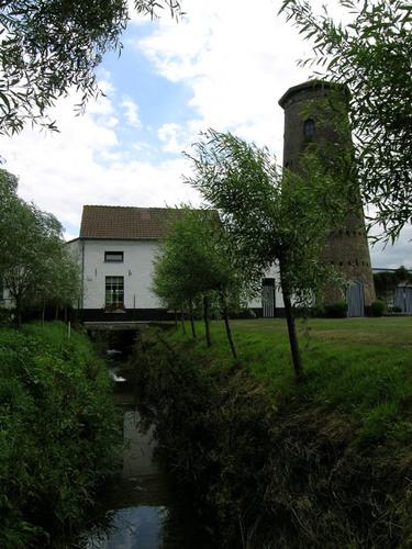 Jabbeke Oude Bruggeweg 3 Molen en beek