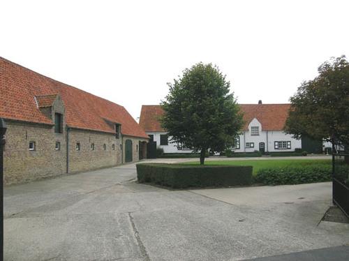 Jabbeke Stalhille Langendorpweg 1 binnenerf
