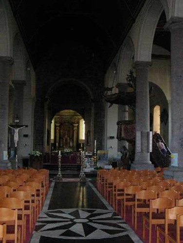 Anzegem Dorpsplein zonder nummer Interieur van de parochiekerk Sint-Jan-Baptist en Eligius