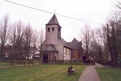 Parochiekerk Sint-Stephanus en Sint-Theodoricus met kerkhof